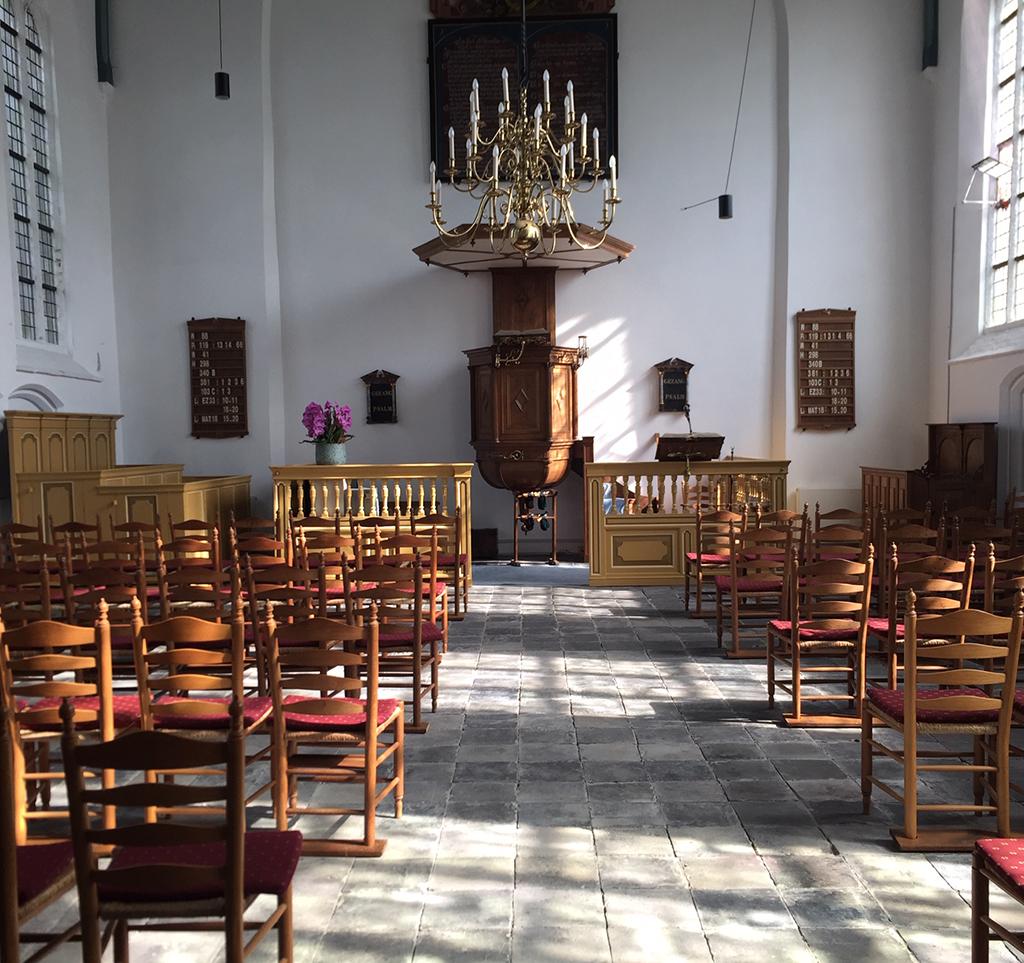 nieuw interieur kerk 't woudt